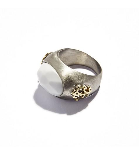 White Agata Cabochon Chevalier Ring